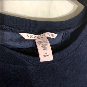 Victoria's Secret Tops - Victoria's Secret velour tulip back pullover sz. M